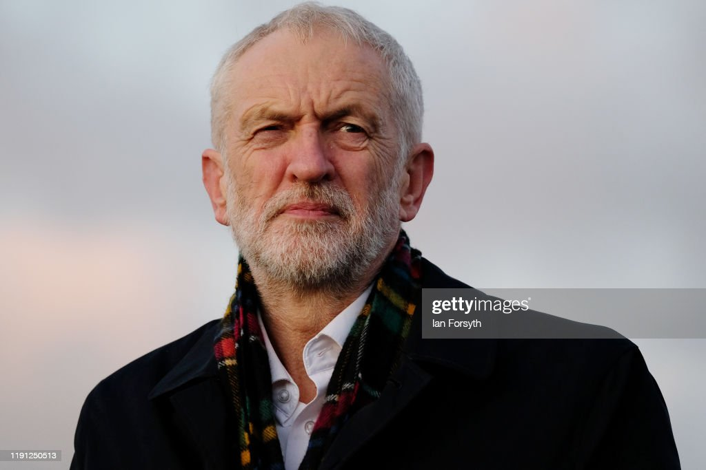 Corbyn Campaigns In Whitby : Nieuwsfoto's