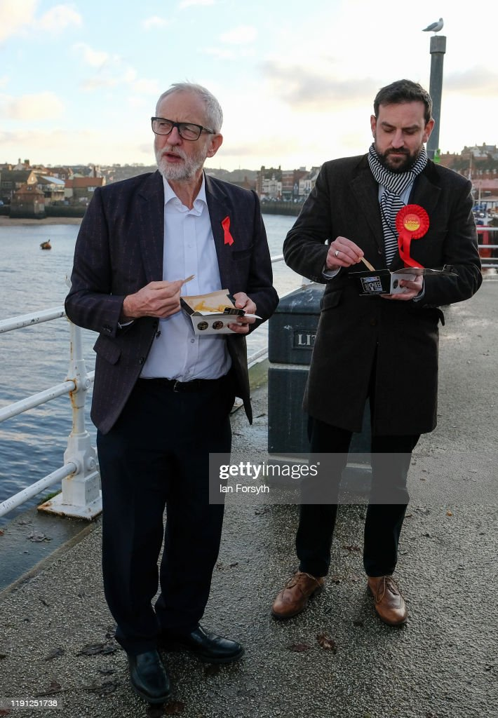 Corbyn Campaigns In Whitby : ニュース写真