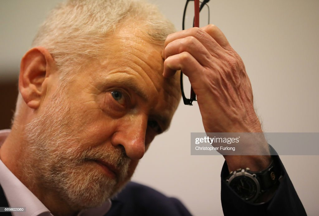 Proposed Carer's Allowance Increase Unveiled By Jeremy Corbyn : ニュース写真