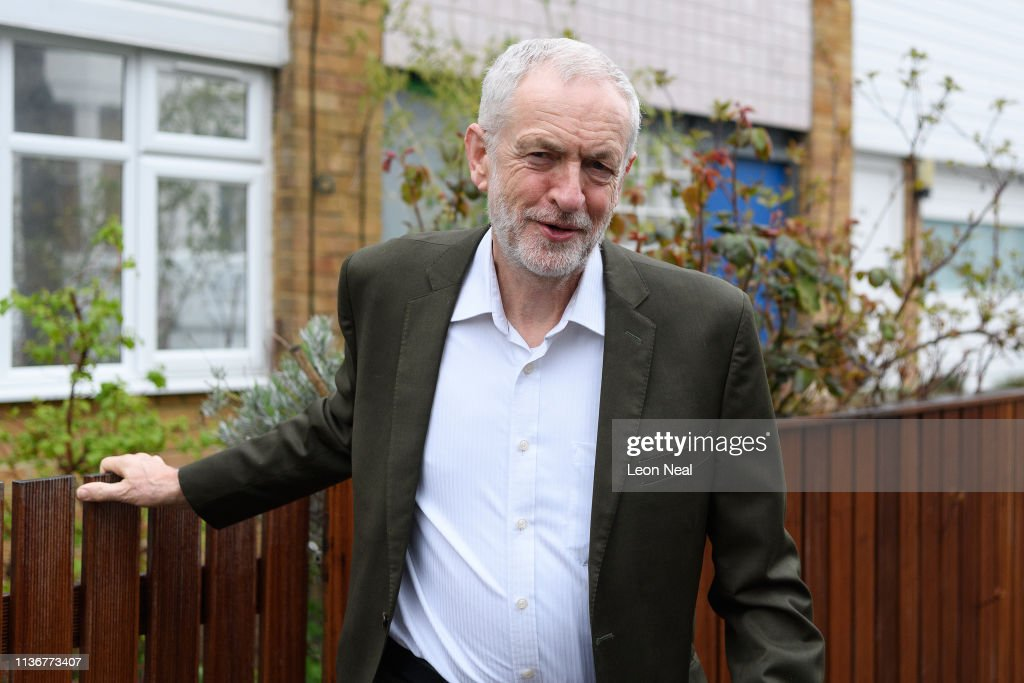 GBR: Jeremy Corbyn Leaves Home And Will Meet With Other Opposition Leaders