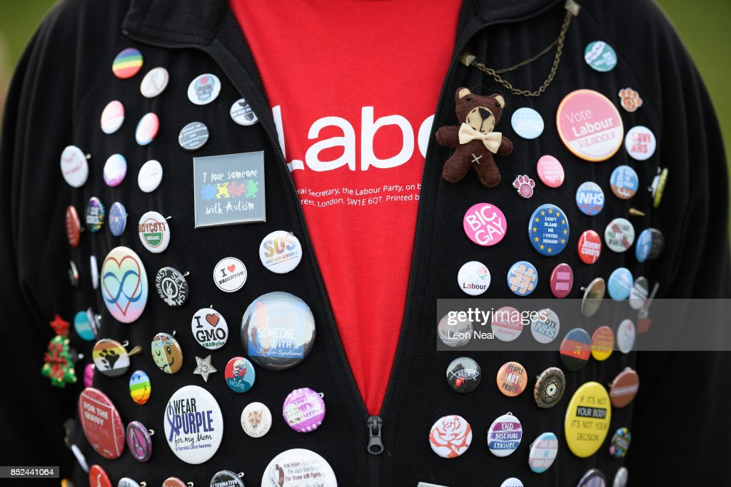 Jeremy Corbyn Holds A Rally On The Eve Of The Labour Conference : News Photo