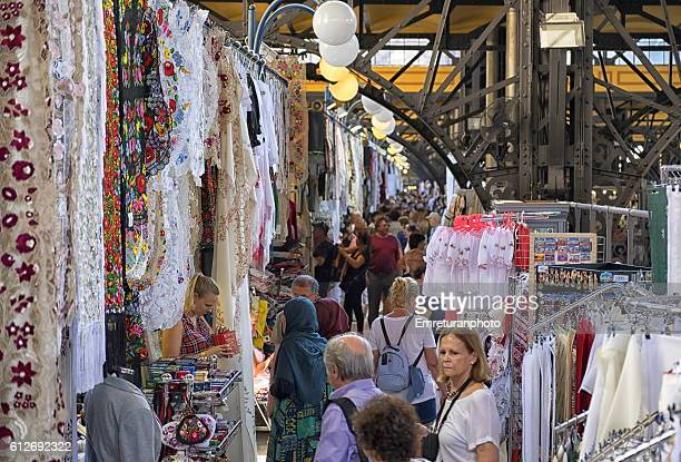lace and textiles in central market,budapest - emreturanphoto stock pictures, royalty-free photos & images