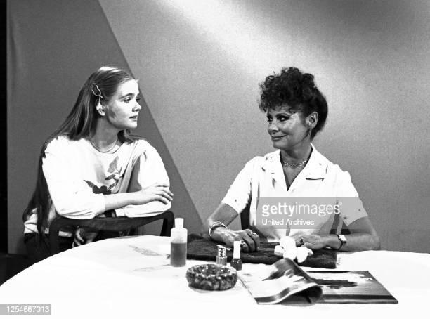 Lach mal wieder, Comedyserie, Deutschland 1984, Darsteller: Dietlinde Turban, Evelyn Gressmann.
