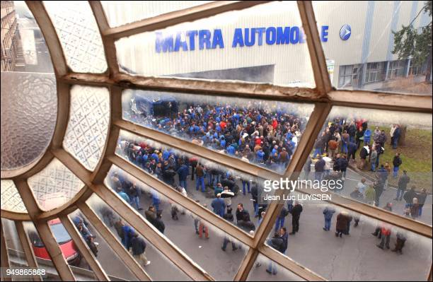 Lack of success of Renault's Avantime model causes Matra to consider closing its RomorantinLantenay production unit