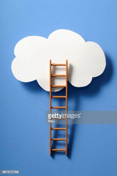 ladder and cloud - escada objeto manufaturado - fotografias e filmes do acervo
