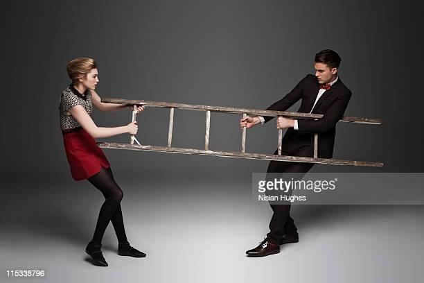ladder tug of war - 引く ストックフォトと画像