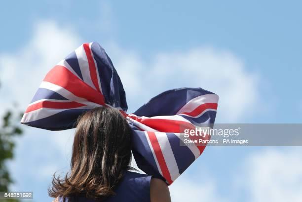 Ladies fashion on a racegoer at Royal Ascot