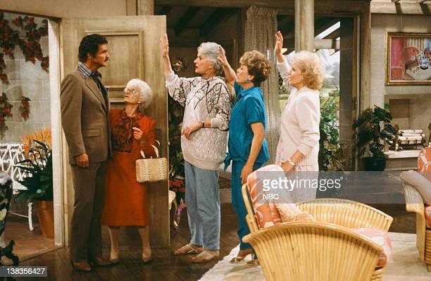 GIRLS Ladies of the Evening Episode 2 Pictured Burt Renyolds as Himself Estelle Getty as Sophia Petrillo Bea Arthur as Dorothy Petrillo Zbornak Rue...