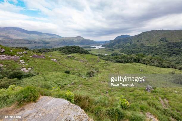 ladies view scenic view in ring of kerry, ireland - valle fotografías e imágenes de stock