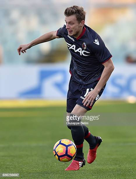 Ladislav Krejci of Bologna FC in action during the Serie A match between Pescara Calcio and Bologna FC at Adriatico Stadium on December 18 2016 in...