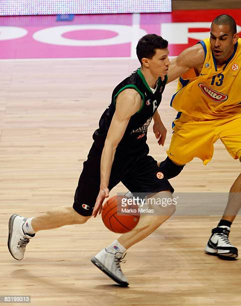 V lado Ilievski of Montepaschi Siena in action during the Euroleague Basketball Final Four game between Montepaschi Siena vs Maccabi Elite Tel Aviv...