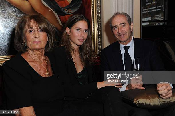 Lady Annabel Goldsmith attends the Pig Pledge fundraiser to boycott meat from animal factories hosted by Tracy Worcester at No 41 Mayfair on March 10...
