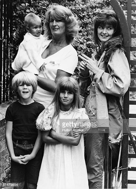 Lady Annabel Goldsmith poses with four of her children 1981 She holds her son Ben and stands with Jane Birley and Zach and Jemima Goldsmith