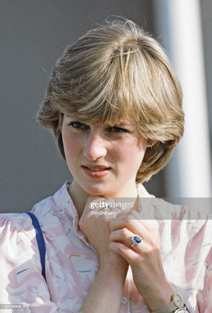 Lady Diana Pre-marriage : News Photo