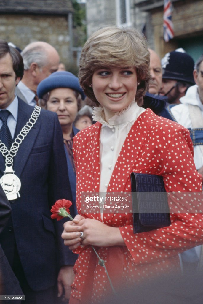 Diana's First Walkabout : News Photo