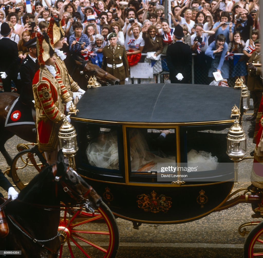 Lady Diana Spencer Travels By Coach To St Paul S Cathedral For Her Wedding The Prince