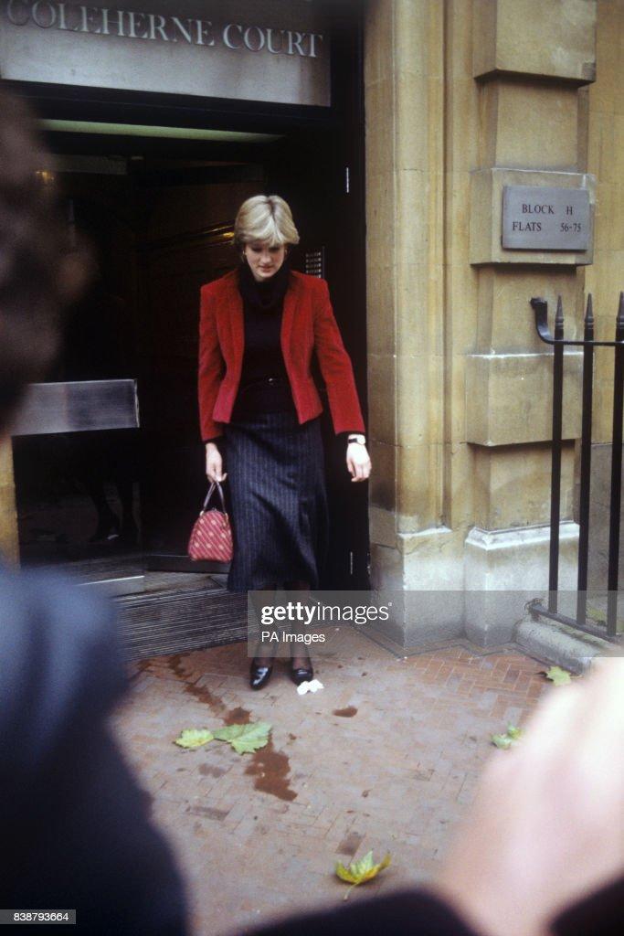 Royalty - Lady Diana Spencer - Knightsbridge, London : News Photo