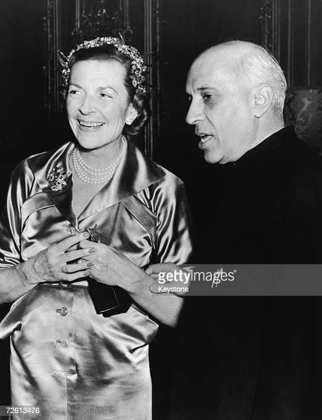 Lady Edwina Mountbatten with Indian prime minister Jawaharlal Nehru at a reception given for him by the Indian High Commissioner in London at...