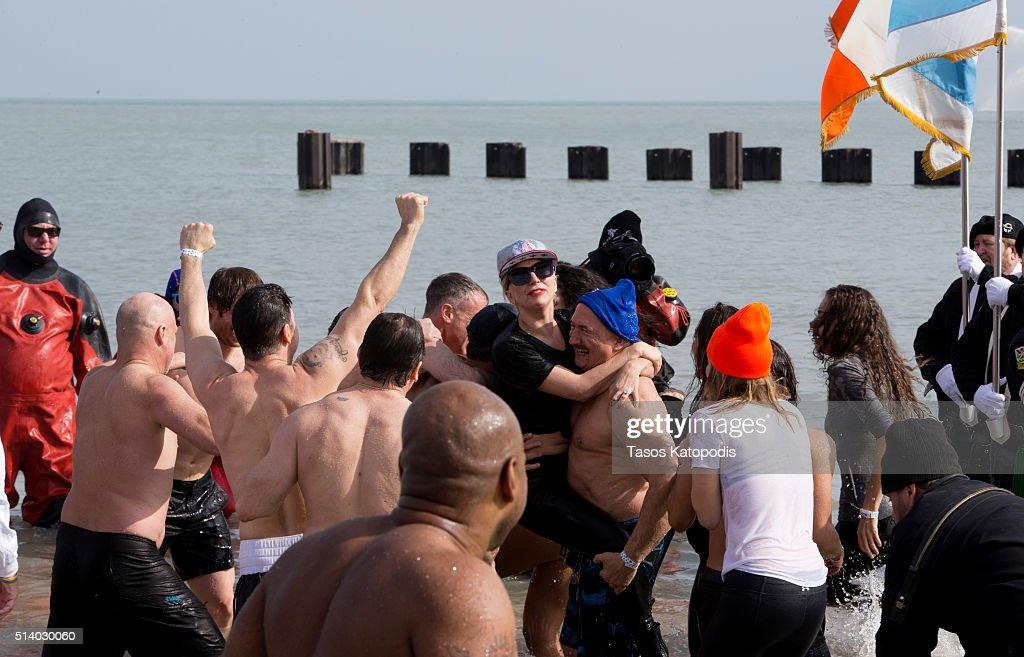 16th Annual Chicago Polar Plunge : News Photo