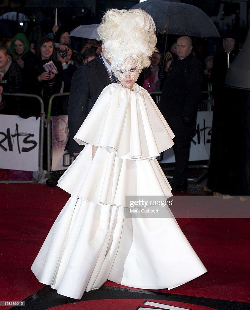 Brit Awards 2010 - Arrivals - London : News Photo