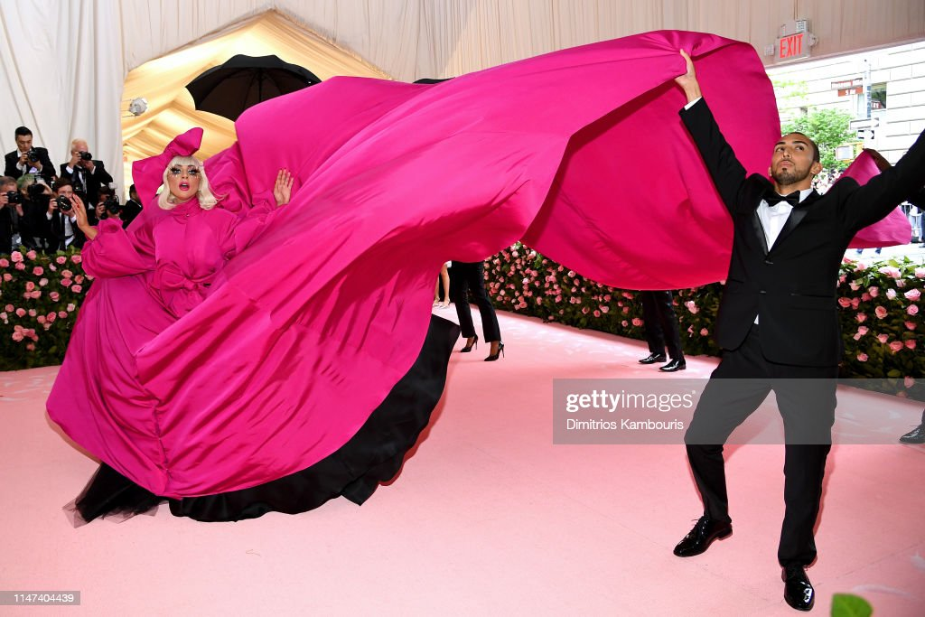 Flames2Go - Lady Gaga - Σελίδα 44 Lady-gaga-attends-the-2019-met-gala-celebrating-camp-notes-on-fashion-picture-id1147404439