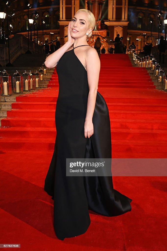 The Fashion Awards 2016 - VIP Arrivals : News Photo