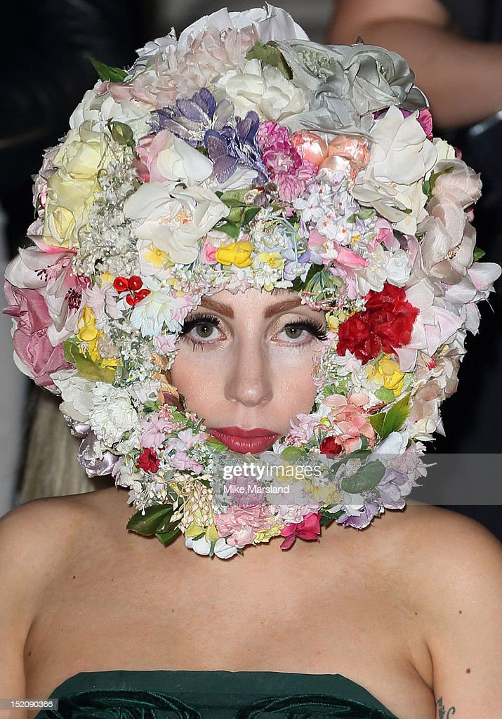 LFW SS2013: Philip Treacy Front Row : News Photo