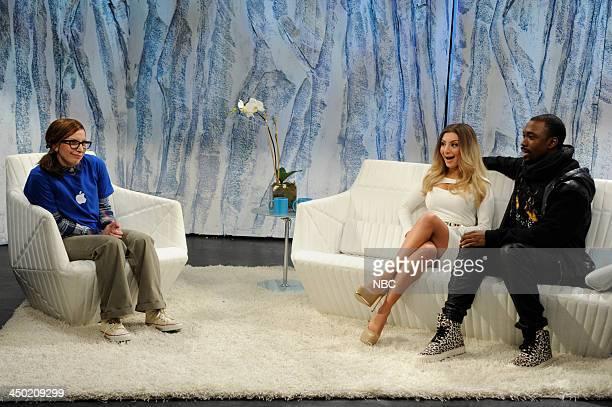 LIVE 'Lady Gaga' Episode 1647 Pictured Lady Gaga as Apple Genius Bar employee Nasim Pedrad as Kim Kardashian Jay Pharoah as Kanye West during Waking...
