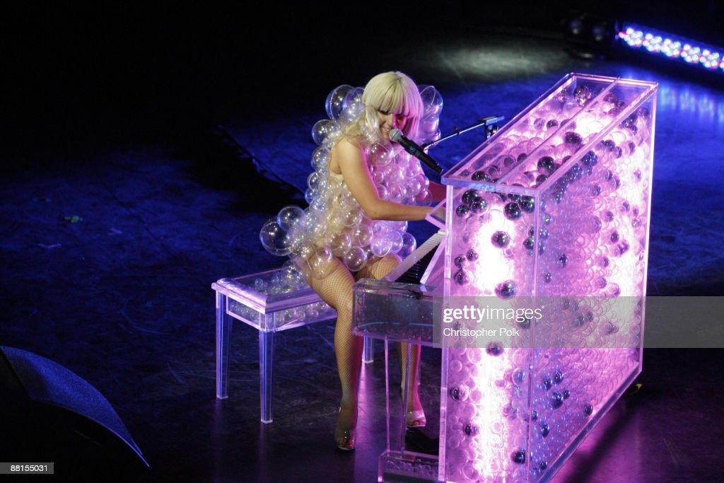 The Grammy Celebration Concert Tour Presented By T-Mobile Sidekick - Boston : News Photo