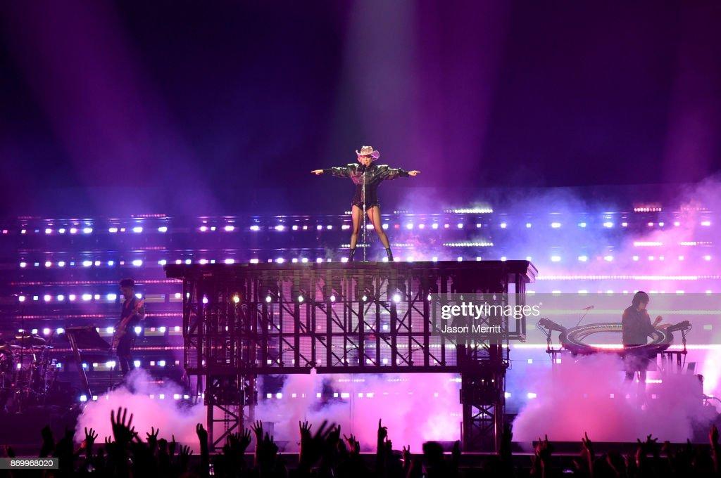 Lady Gaga 'Joanne' World Tour - Montreal : News Photo