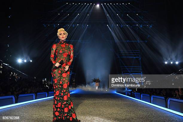 Lady Gaga sings on the runway during the 2016 Victoria's Secret Fashion Show on November 30 2016 in Paris France