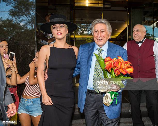 Lady Gaga visits Tony Bennett and gives him flowers for his 90th birthday on August 3 2016 in New York New York