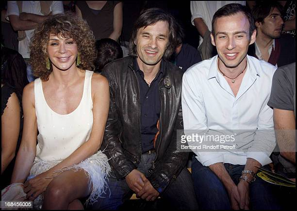 Lady Giannina Faccio the wife of Sir Ridley Scott Olivier Martinez and Alexis Roche at John Galliano Men Spring Summer 2009 Fashion Show