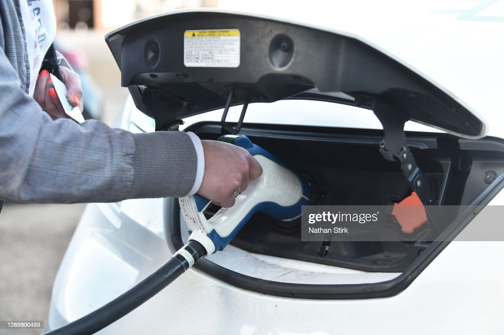 UK Government Hopes To Speed Transition To Electric Vehicles : News Photo