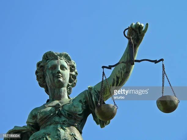 lady justice justicia - bestrafung stock-fotos und bilder