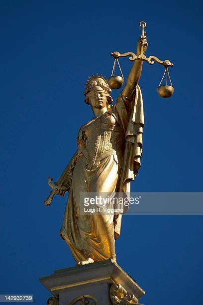 lady justice - equal arm balance stock pictures, royalty-free photos & images