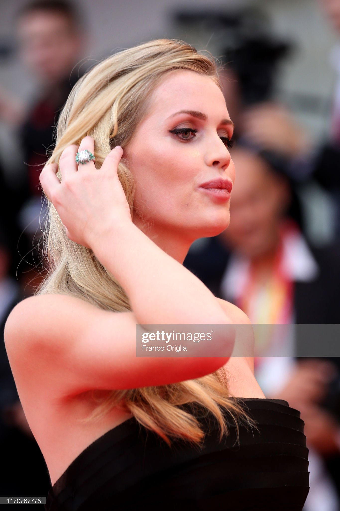 https://media.gettyimages.com/photos/lady-kitty-eleanor-spencer-walks-the-red-carpet-ahead-of-the-opening-picture-id1170767775?s=2048x2048