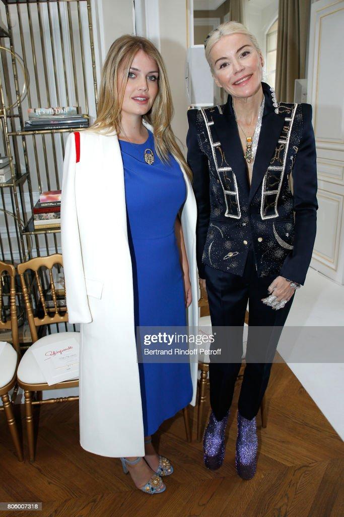 Schiaparelli : Front Row - Paris Fashion Week - Haute Couture Fall/Winter 2017-2018
