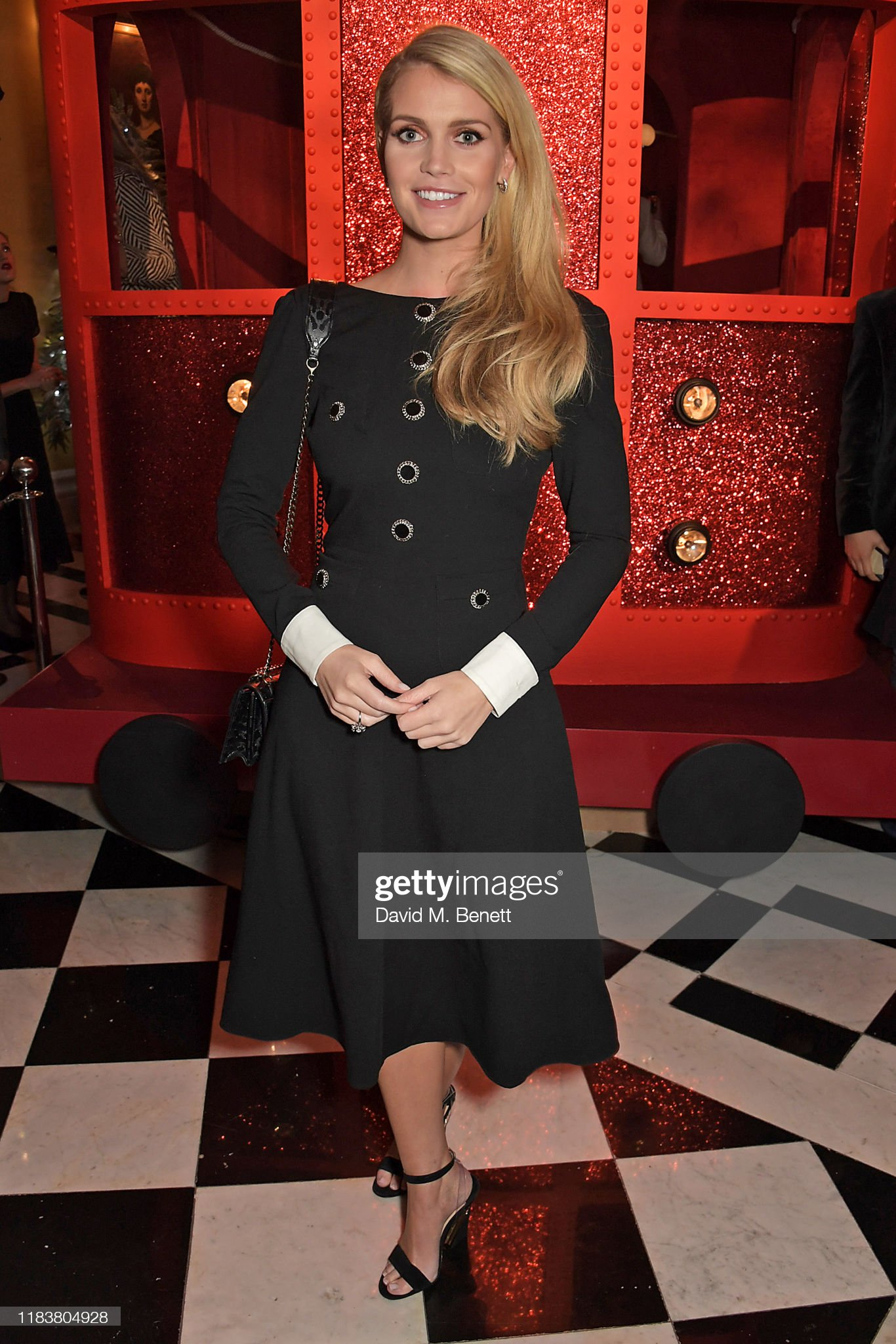 https://media.gettyimages.com/photos/lady-kitty-spencer-attends-the-launch-of-the-claridges-christmas-tree-picture-id1183804928?s=2048x2048