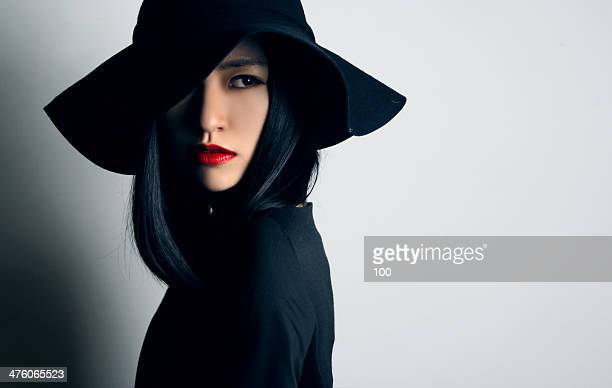 lady look back - red lipstick stock pictures, royalty-free photos & images