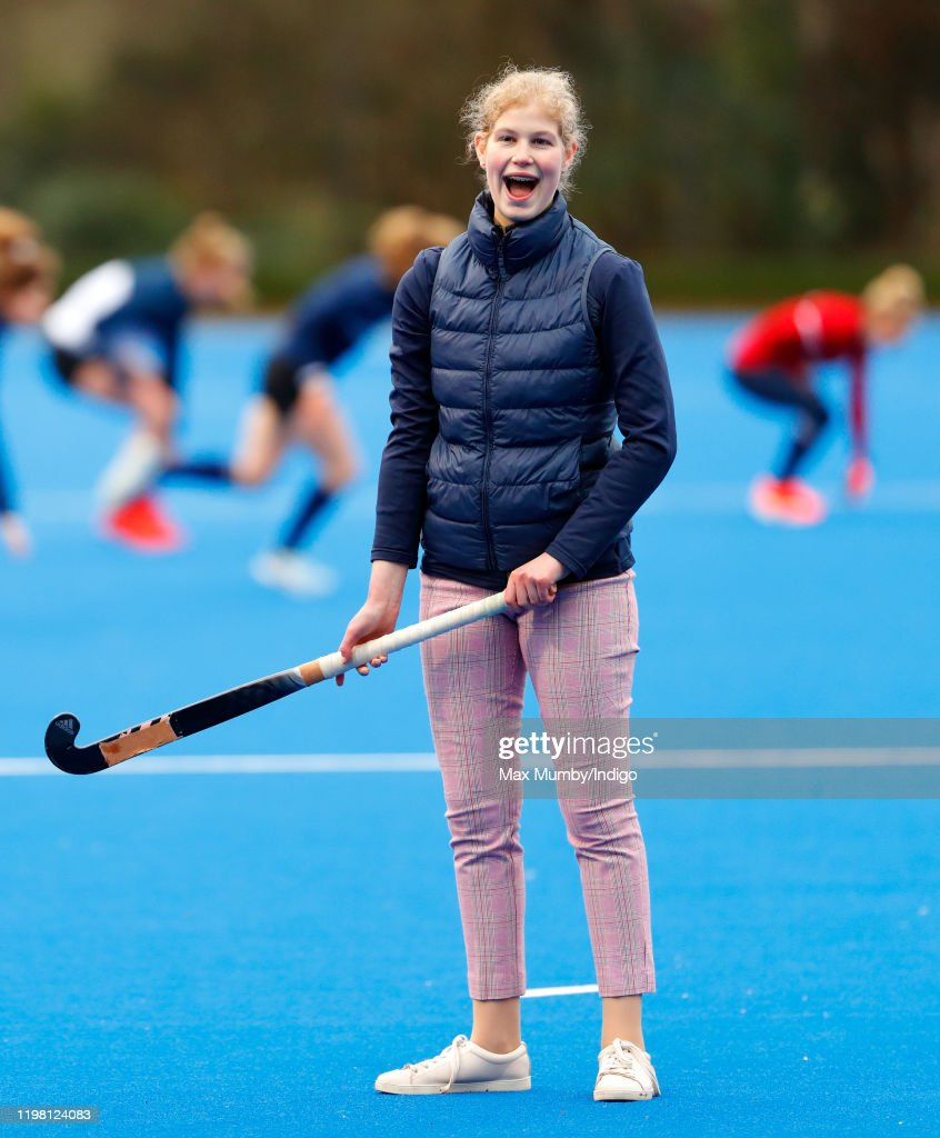 The Countess Of Wessex Attends A Hockey Training Session At Bisham Abbey National Sports Centre : Fotografía de noticias