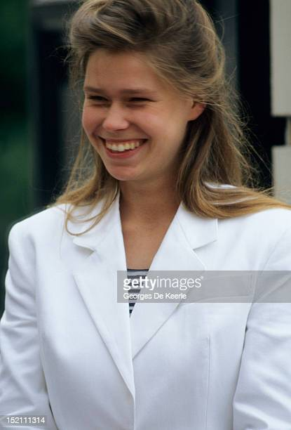Lady Sarah Armstrong Jones attends the Queen Mother's 87th Birthday on August 4 1987 outside Clarence House in London