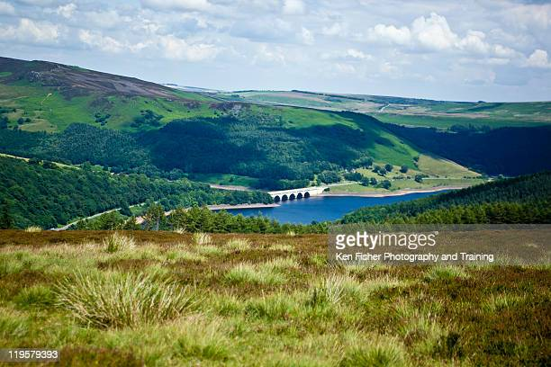ladybower dam - south yorkshire stock pictures, royalty-free photos & images