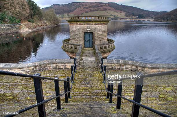 ladybower reservoir - sheffield stock pictures, royalty-free photos & images