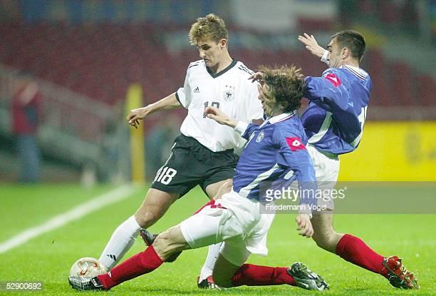 Laenderspiel 2003, Bremen; Deutschland - Serbien-Montenegro 1:0; Miroslav KLOSE/GER, Mladen KRSTAJIC, Nikola MALBASA/YUG