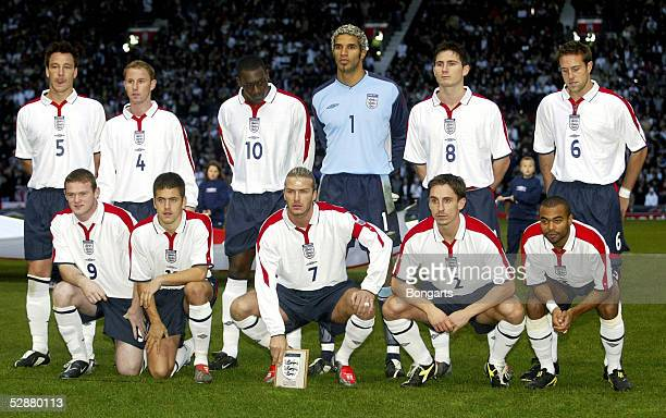 Team England; hintere Reihe: John TERRY, Nicky BUTT, Emile HESKEY, David JAMES, Frank LAMPARD, Matthew UPSON; vordere Reihe: Wayne ROONEY, Joe COLE,...