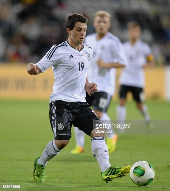 FUSSBALL INTERNATIONAL Laenderspiel Freundschaftsspiel U Deutschland Frankreich Amin Younes am Ball