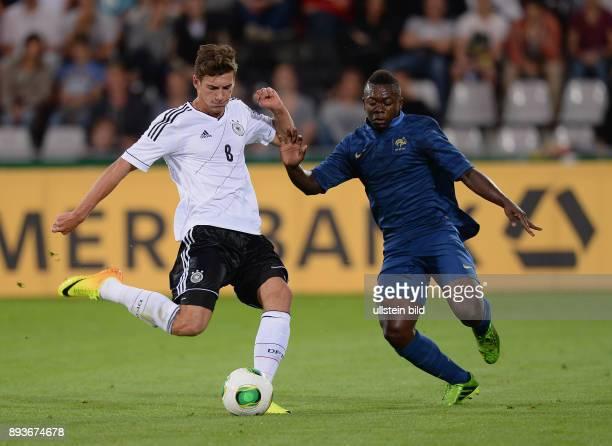 FUSSBALL INTERNATIONAL Laenderspiel Freundschaftsspiel U Deutschland Frankreich Leon Goretzka gegen Nampalys Mendy