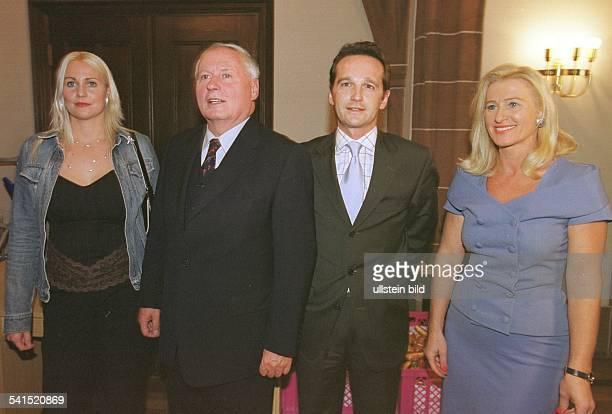Lafontaine, Oskar *- Politiker, D- an seinem 60. Geburtstag im Rathausfestsaal in Saarbrueckenv.l.: Corinna Maas, Heiko Maas, Vorsitzender der SPD...