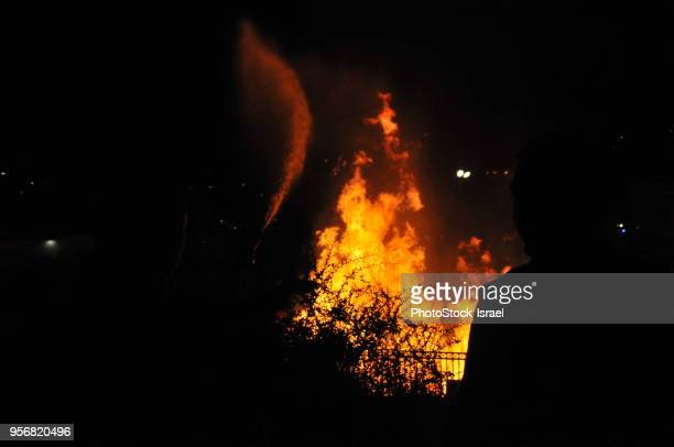 lag baomer bonfire - religious celebration stock pictures, royalty-free photos & images